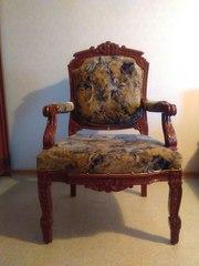 Кресла старинные 19 век продаю